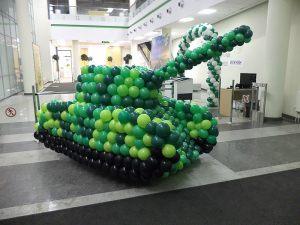 Танк из воздушных шаров на 23 февраля