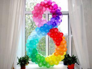 Оформление на восьмое марта шарами