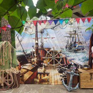 Фотозона в стиле пиратов Карибского моря