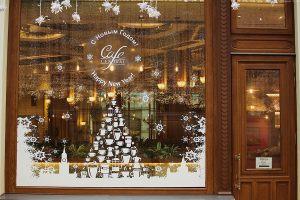 Новогодние наклейки на окна кафе