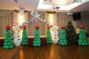 Новогоднее оформление зала шарами