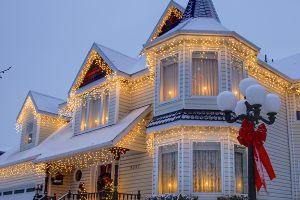 Световое украшение дома к новому году