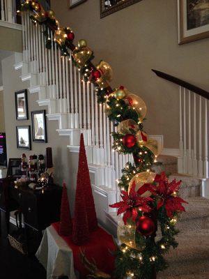 Декор лестниц новогодними гирляндами