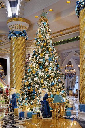 Рождественский декор гостиницы