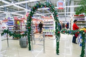 Новогодняя арка в магазине