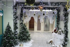 Оформление школьного коридора на новый год