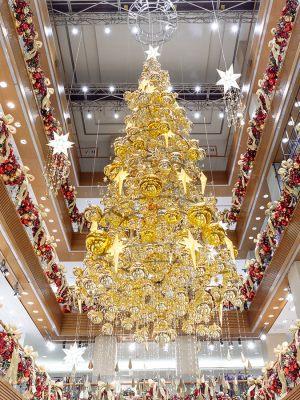 Новогодний декор торгового центра