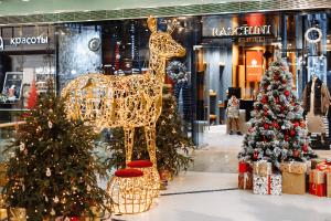 Новогоднее украшение торгово-развлекательного центра