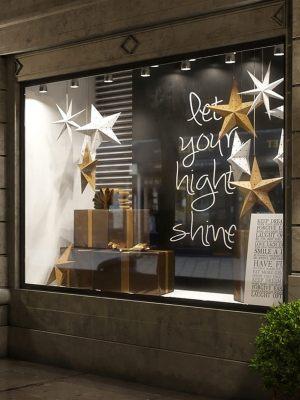 Новогоднее украшение витрин