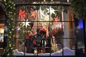 Витрина магазина новый год